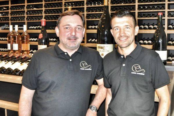 """Nicolas Creuzot et Eric Carrière, dans leurs nouvelles """"caves"""" dijonnaises."""