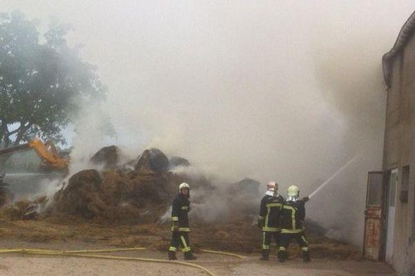 Incendie d'un hangar agricole à Seichebrières (Loiret)