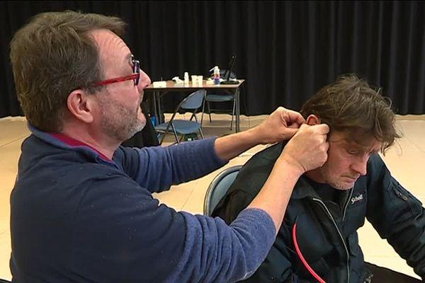 Philippe a pu être équipé de prothèses auditives pour la première fois de sa vie grâce l'association Audition solidarité