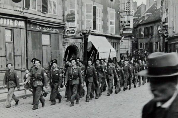Jacques Poudensan, pharmacien à Guéret et photographe amateur, a photographié sa ville durant l'occupation allemande