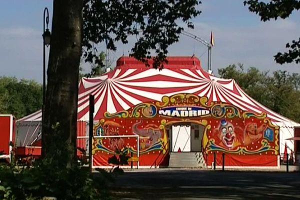 Le cirque continue ses représentations, alors qu'il devait partir la semaine dernière