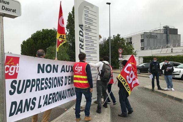 Mobilisation devant les locaux d'Altran