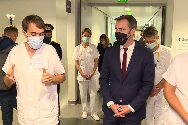 Le ministre de la Santé Olivier Véran, vendredi 8 octobre 2020 à l'hôpital du Nord Franche-Comté à Trévenans.