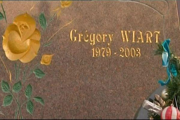 La tombe de Gégory Wiart, auteur du viol d'Elodie Kulik en 2012