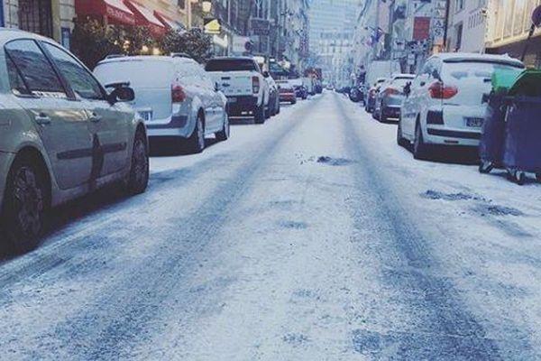 Ce jeudi, la capitale s'est de nouveau réveillée en blanc.
