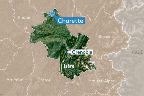 Dimanche, un habitant de Charette (Isère) a découvert un corps enroulé dans une bâche plastique, dans un fossé en périphérie de la commune.