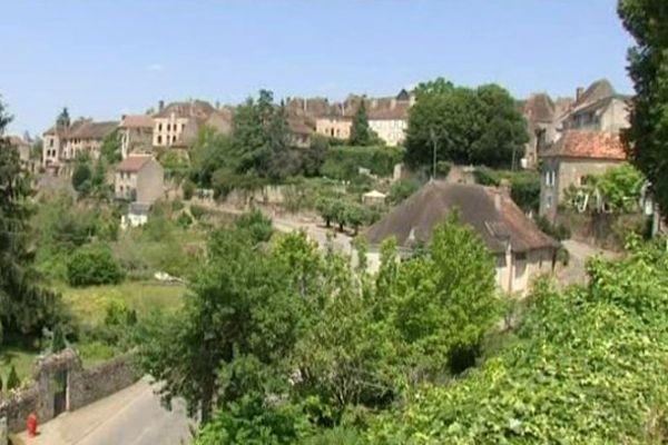 Saint-Benoît-du-Sault (Indre) est l'un des huit plus beaux villages de France recensés dans la région Centre-Val de Loire.