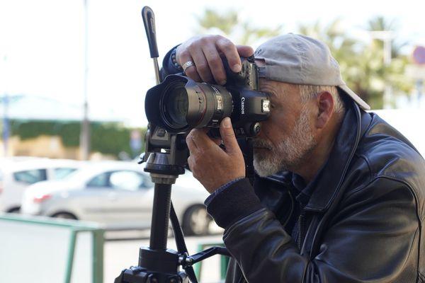 Le photographe Jean-Pierre Rey parcourt les rues de Menton depuis le début du confinement.