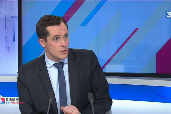 Archives- Nicolas Bay sur le plateau de l'émission Dimanche en Politique