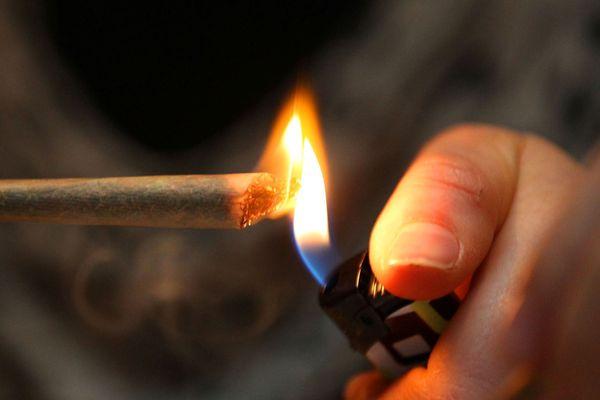 Le fumeur de cannabis c'est tout le monde, n'importe qui n'importe où.