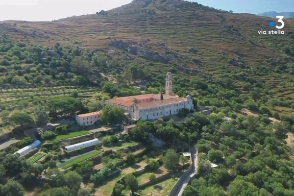 Le couvent de Corbara, un des bijoux du patrimoine religieux corse.