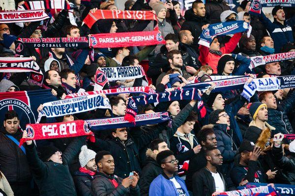 Des supporters parisiens, lors du match de coupe de France PSG/Bastia, à Paris, le 7 janvier 2017.