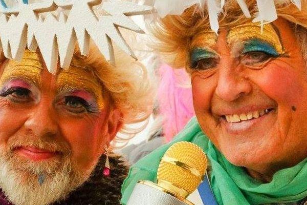 A droite, Georges Coopman qui aimait se déguiser en femme pour le carnaval