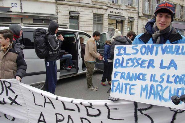 Partis de Bordeaux pour marcher jusqu'au siège de Charlie Hebdo à Paris