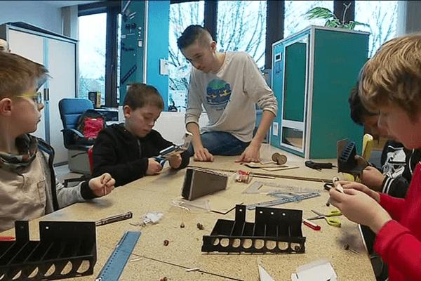Cinq garçons et une fille partiront trois jours en Tunisie dans une école spécialisée dans l'animation 3D.
