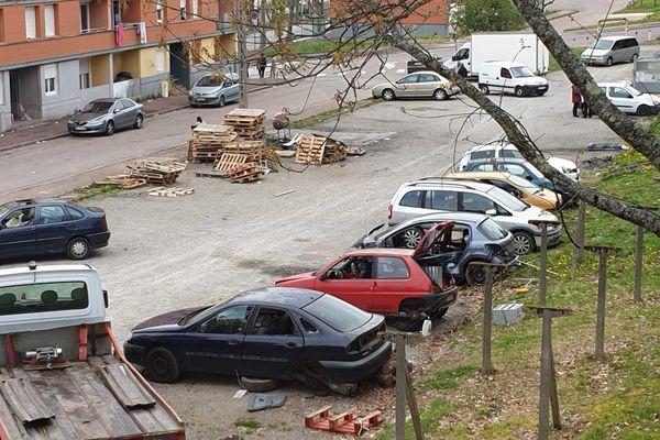 Casse à ciel ouvert sur les parkings publics du quartier du Vigenal à Limoges