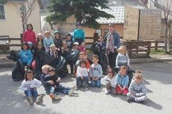 Les élèves des écoles Marius Faure et des 4 saisons ont aussi participé à la battue.