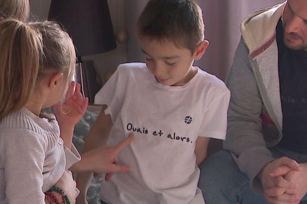 """Des T-shirts de  la marque """"Ouais, et alors !"""" créés par Laetitia Henry"""