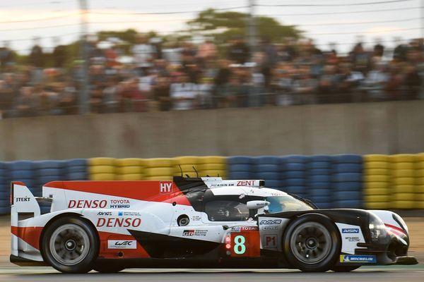La voiture n°8 de Toyota piloté entre autres par Fernando Alonso.
