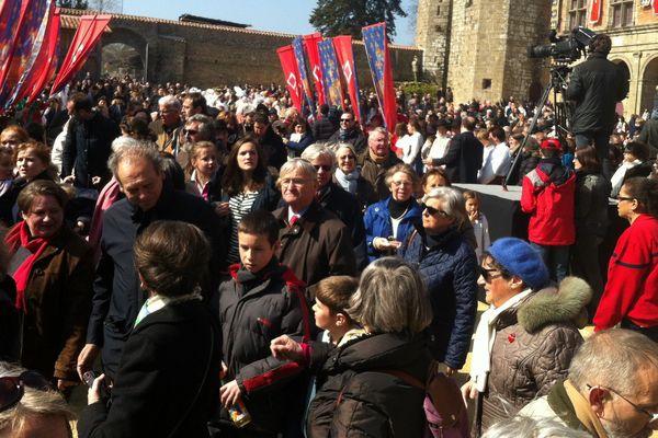 5 000 personnes sont venues assister à la présentation de l'anneau de Jeanne d'Arc au Puy du Fou