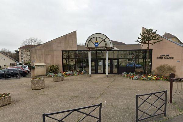Le gymnase Patrick-Caglione à Poissy (Yvelines), en mars 2020. (GOOGLEMAPS)