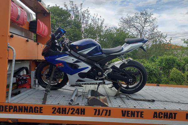 A bord de cette moto, un conducteur a été contrôlé a plus de 160 km/h au lieu de 80 km/h sur une route du Puy-de-Dôme lors du week-end de Pentecôte.