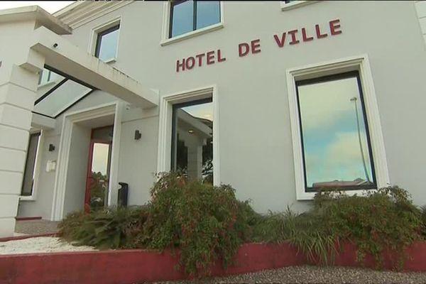 La mairie d'Ychoux interdit aux Ychoussois de tomber malades