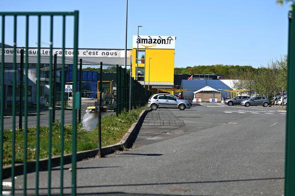 Les entrepôts d'Amazon à Saran (Loiret) le 15 avril dernier avant l'annonce de la fermeture.