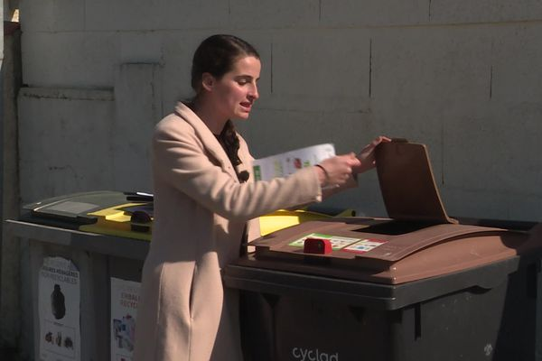 Olivia Chudik, chargée de misssion biodéchets Cyclad, accompagne les professionnels et les particuliers qui souhaitent faire le tri des biodéchets.