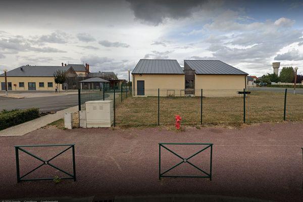 L'école du Bourg à Pannes dans le Loiret était un des deux lieux d'accueil d'enfants de soignants à Pannes. Il a dû fermer pour suspicion de coronavirus.