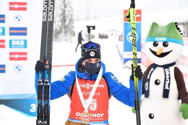 Julia Simon remporte la mass start d'Oberhof, comptant pour la Coupe du monde de biathlon.