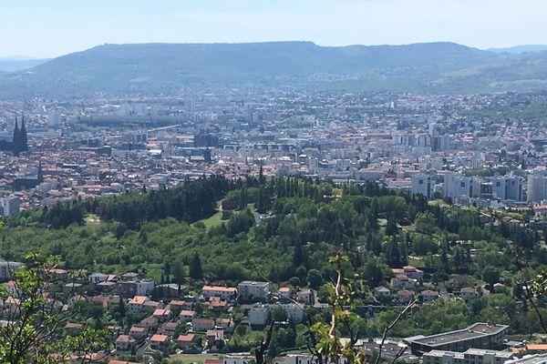 La ville de Clermont-Ferrand compte 150 hectares d'espaces verts.
