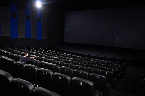 Panne d'électricité sur le réseau Enedis, le cinéma CGR de Blagnac contraint d'évacuer sa clientèle.