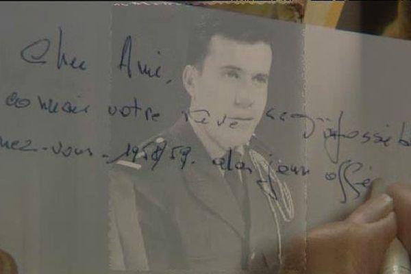 """Un jeune sous-officier, qui n'est autre que lui-même ! Le clin d'oeil de Camille Geutier à un """"cher ami""""..."""