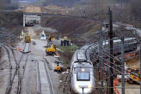 La circulation des TGV déviée le week-end prochain afin d'installer le poste de commande des aiguillages de la jonction LGV à Connerré