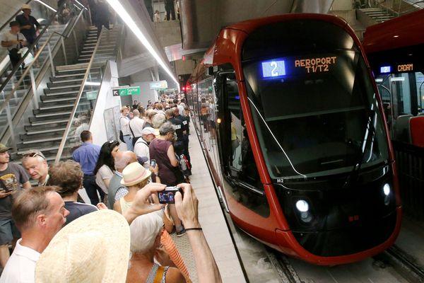Christian Estrosi a annoncé la livraison des Lignes 2 et 3, respectivement en novembre et décembre.