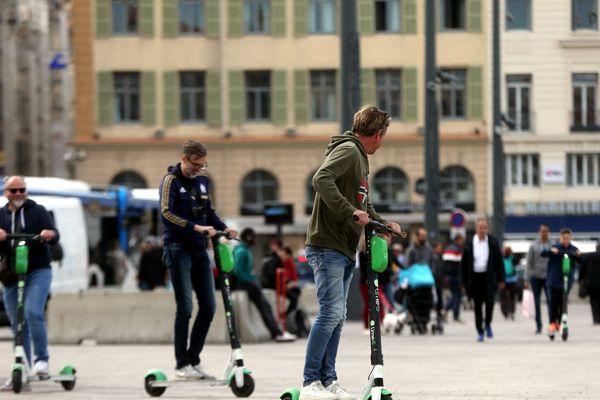 Les trottinettes électriques désormais interdites sur les trottoirs de Marseille