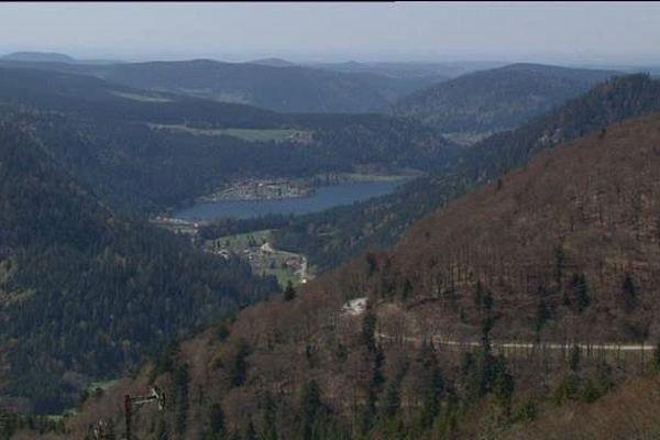 La route des Crêtes, fermée depuis le 20 novembre, a rouvert ce jeudi 5 mai, quelques jours après la date initialement prévue.