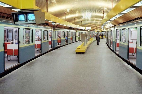 Une station du métro parisien, le 28 septembre 1978.