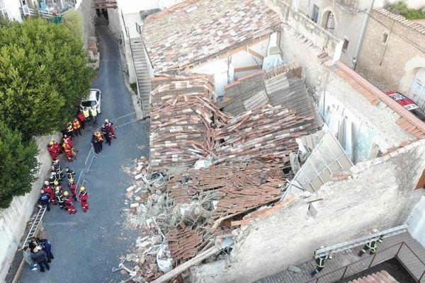 Ce jeudi 14 janvier à 7h, une maison du coeur de ville de Poussan, près de Sète,s'est éffondrée sur elle-même.