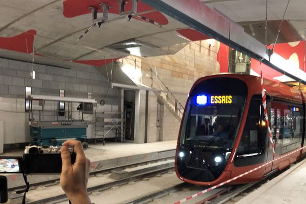 Démarrage des essais dans le nouveau tunnel de la ligne 2 du tramway à Nice, jeudi 21 mars 2019.