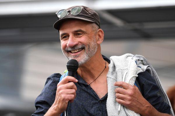 Le militant pro-migrants Pierre Mumber a été relaxé en appel par le tribunal de Grenoble.