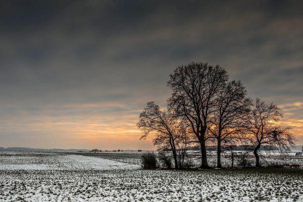 Dans l'Orne, l'Eure ou la Seine-Maritime, des chutes de neige pourront blanchir les sols des campagnes d'ici à l'arrivée de la pluie.