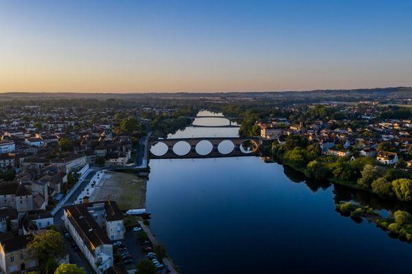 La ville de Bergerac, encore endormie.