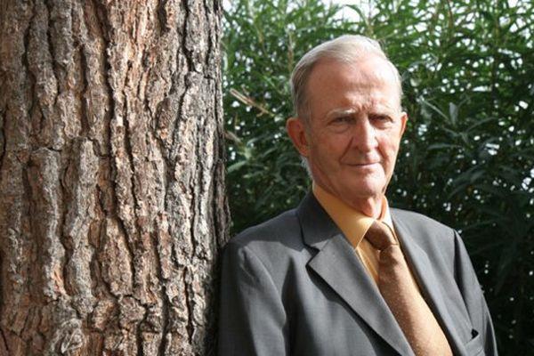En 2004, Jean-Christophe Angelini fait son entrée à l'Assemblée de Corse au côté d'Edmond Simeoni.