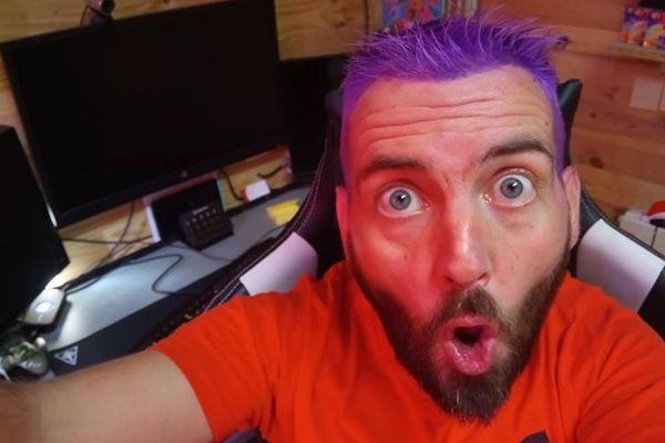"""Le Cantalien surnommé """"purpledjo"""" anime une webtv sur le jeu vidéo fortnite, plus de 27 000 personnes sont abonnées à sa chaîne."""
