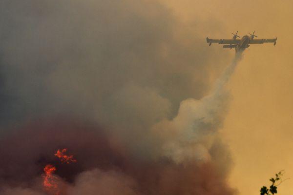 Le feu de Saint Cannat ne progresse plus