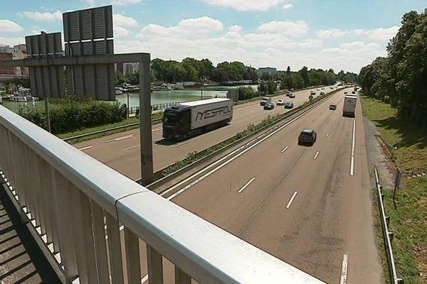 La traversée urbaine de Reims est située juste à côté de la coulée verte.
