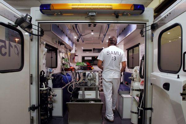 Illustration - Une ambulance du SAMU 13 (Bouches-du-Rhône)
