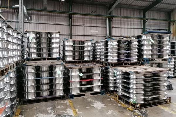 Entrepôt d'Alvance Wheels avec les jantes en aluminium.